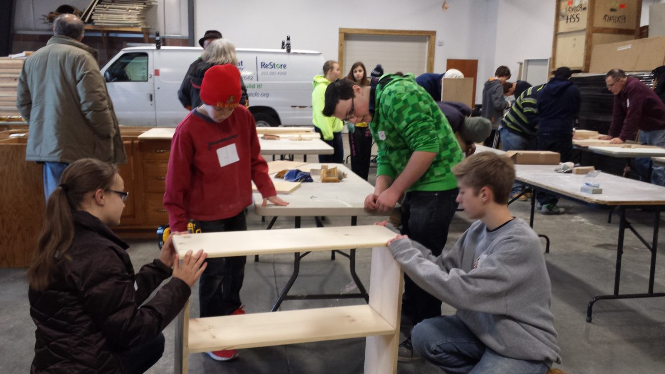 Wilton Kids Build Bookcases for Habitat for Humanity