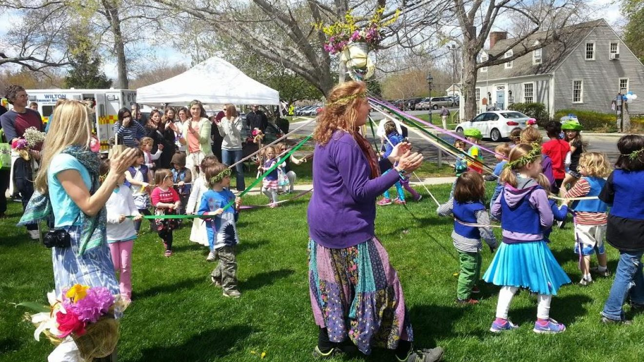 Cars, Solar-Powered Merry-Go-Round, Food & Music–GOOD Family Fun at WGG Festival