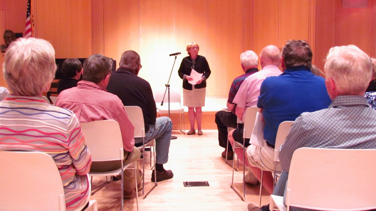 Lynne Vanderslice Holds Discussion with Wilton Seniors