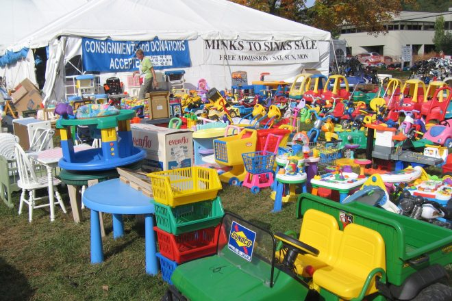 Donations and Consignments Wanted for Minks to Sinks Spring 2019