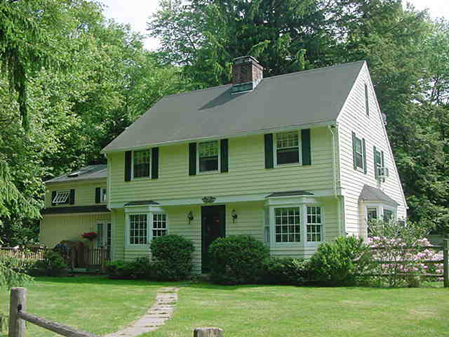 255 New Canaan Rd.