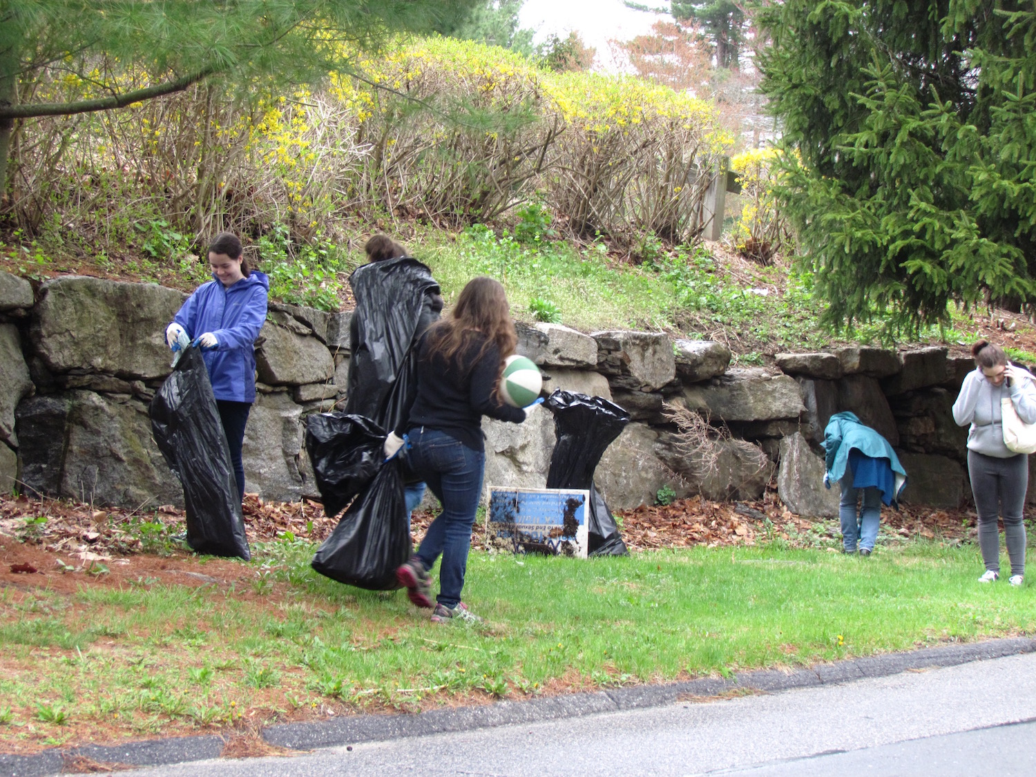 Spring Cleaning:  Wilton to Hold Town-Wide Cleanup–Volunteers Needed