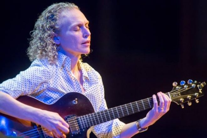 Acclaimed Jazz Guitarist Mimi Fox Heats Up Hot & Cool Concert at Wilton Library