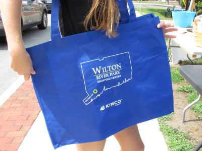 The perfect image for Wilton's shopping bag from Kimco.