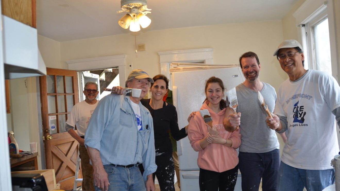 Kiwanis and Bankwell Partner in HomeFront Project [PHOTOS]