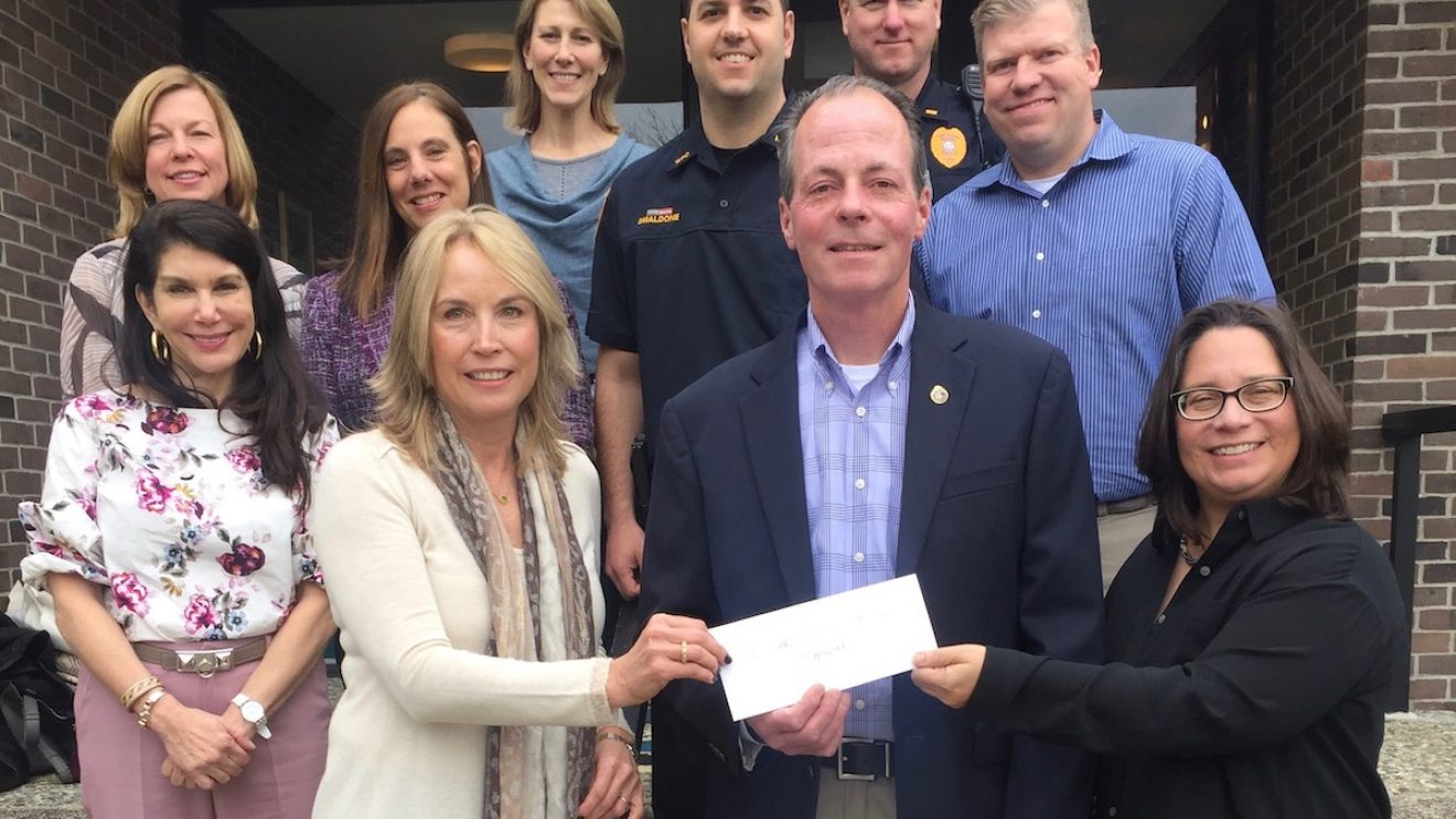 Wilton Woman's Club Funds Narcan for Wilton Police Department