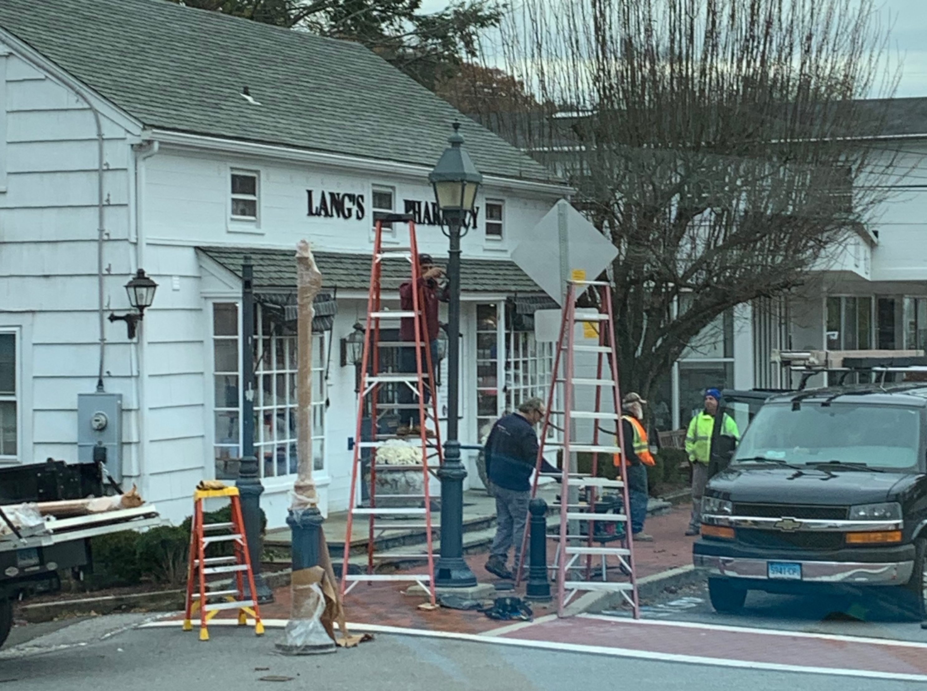 Wilton Center Lamppost Renovation Work Begins