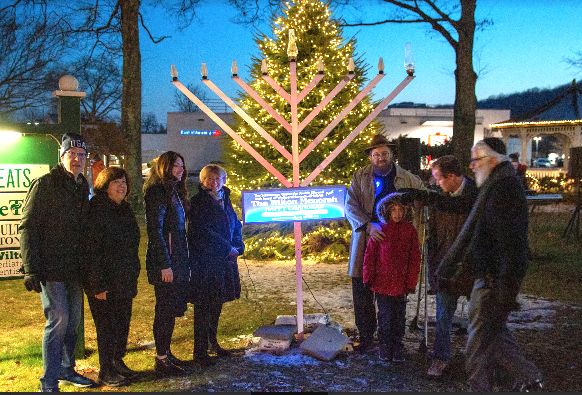 Wilton Celebrates Hanukkah's First Night with Town Green Menorah Lighting [PHOTOS]